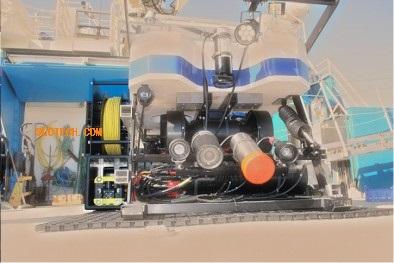 水下3000米级伴侣型机器人